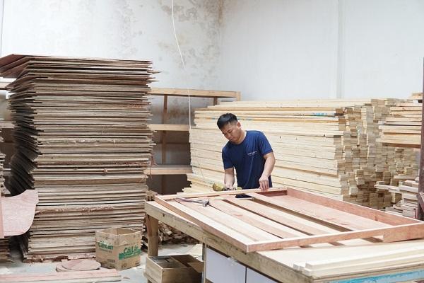 Gỗ làm khung sofa văng góc tại Topsofa đều là gỗ thông hoặc gỗ sồi Nga nên có chất lượng tốt, độ bền cao