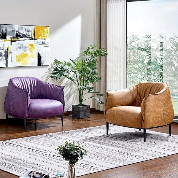 Bạn có thể kết hợp sofa đơn với thảm trải sàn để mang lại vẻ đẹp hoàn hảo cho không gian sống.
