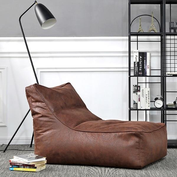 Bạn hoàn toàn có thể tận hưởng sự thoải mái, êm ả với mẫu sofa da mini vô cùng độc đáo này