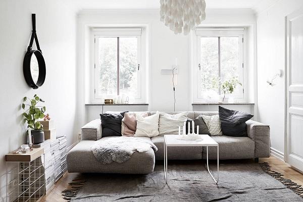Đệm dày êm ái mang đến sự thoải mái tối đa cho người dùng là một ưu điểm không thể bỏ qua của mẫu sofa này