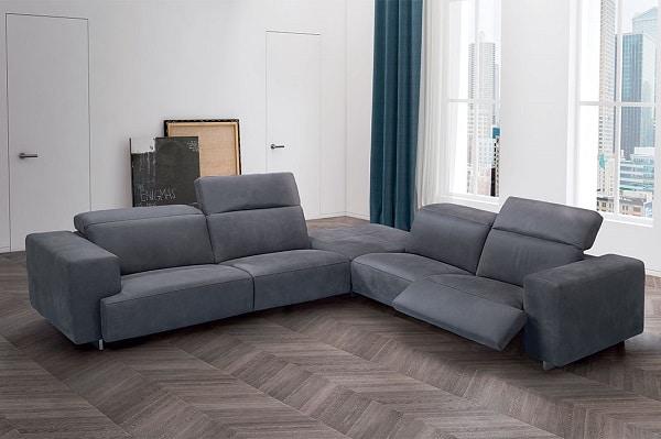 Mẫu sofa này gồm hai phần ghế như sofa văng được kết nối với nhau bằng một khối vuông ở giữa giúp tạo nên vẻ đẹp độc đáo, sự bề thế khi ghép lại và vận chuyển dễ dàng khi tách ra