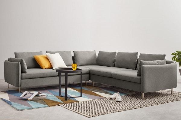 Những gia chủ đề cao tính linh hoạt, muốn ghép nối sofa theo nhiều kiểu khác nhau để mang lại sự mới mẻ cho căn phòng nên chọn sofa góc tay trứng