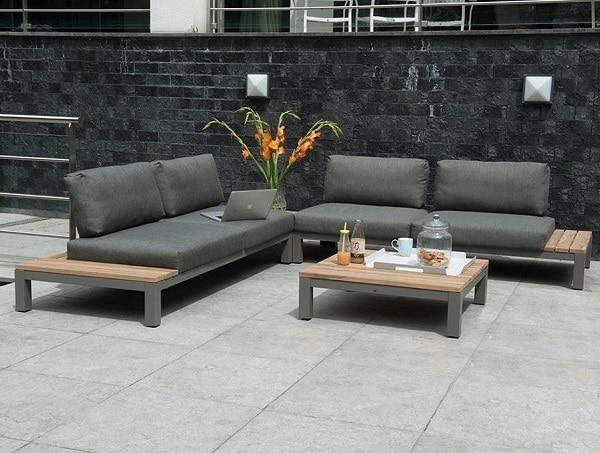 Khi không cần dùng đến cả bộ ở cùng một vị trí hay khi cần di chuyển sang vị trí khác, người dùng dễ dàng tách mẫu sofa góc tay trứng này ra làm đôi thành hai mẫu sofa văng đẹp và tiện dụng