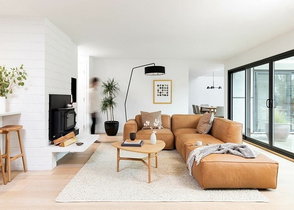 Mỗi một phần cấu tạo mẫu sofa góc tay trứng này đều có thể tách ra và hoạt động độc lập, tạo thành chỗ ngồi riêng để phù hợp hơn với không gian sử dụng