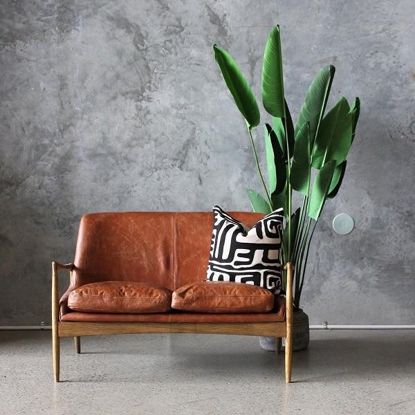 Phần đệm và khung ghế thiết kế tách rời giúp người dùng dễ dàng thêm vào hay bỏ ra để thích hợp với thời tiết mùa đông hoặc màu hè