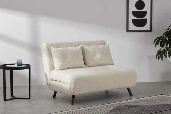 Chỉ cần đẩy nhẹ phần lưng xuống, kéo phần đệm ngồi đang gấp ra là bạn đã có một chiếc giường nỏ vô cùng thoải mái, êm ái và tương đối vững chắc để nghỉ ngơi
