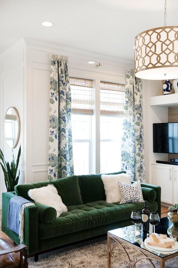 Sofa văng đơn góp phần làm tăng vẻ đẹp thời thượng và quý phái cho không gian sống.