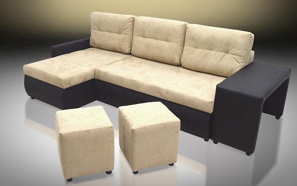 Sofa góc da lộn kiểu dáng chữ L là sự lựa chọn hoàn hảo cho căn phòng khách của gia đình bạn cho dù đó là một ngôi nhà rộng rãi hay một căn hộ với diện tích nhỏ hơn