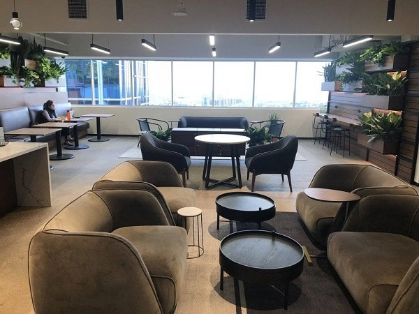 Sản phẩm mang lại sự thoải mái tối đa cho nhân viên khi trò chuyện, nghỉ ngơi mà không làm mất đi tính trang trọng, lịch sự cho không gian văn phòng.