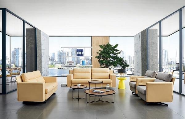Sofa sử dụng gam màu vàng bắt mắt, tạo cảm giác nới rộng không gian và mang lại vẻ đẹp hiện đại.