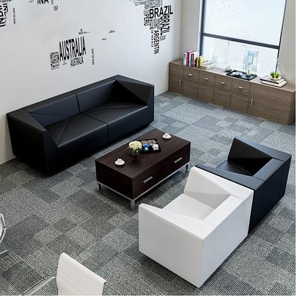 Họa tiết gạch chéo phá cách giúp sofa tăng thêm vẻ đẹp khỏe khoắn, mạnh mẽ.